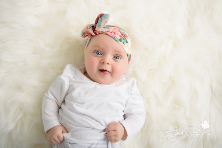 How to capture beautiful images of baby in Toronto photography